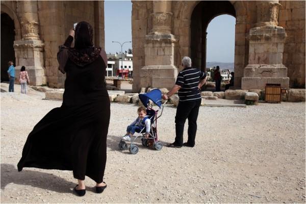 Местные жители также проявляют интерес к истории Джераша: среди его памятников наиболее поздние постройки относятся к периоду правления  исламской династии Омейядов (VII-VIII вв.)