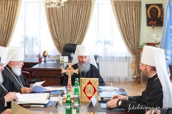 Синод Украинской Церкви призвал президента Украины обеспечить межконфессиональный мир и прекратить кровопролитие на Юго-Востоке
