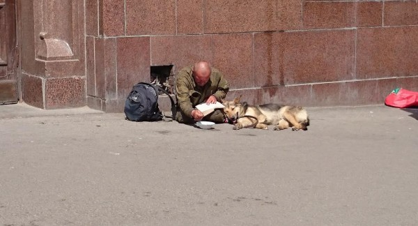 На московских вокзалах должны появиться пункты профилактики бездомности