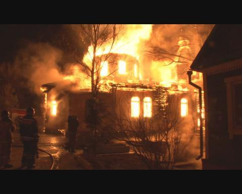 В селе Писковка на Киевщине в результате поджога сгорел православный храм