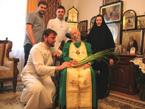 Митрополит Владимир вернулся в свою резиденцию после лечения в стационаре