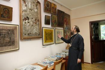 В музее КДАиС