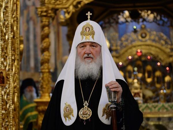 Патриарх Кирилл: Когда люди приобретают то, что им не нужно, тогда и наступает грех