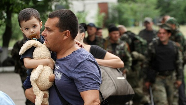 Настоятель крымского храма взял в семью детей из Донецкой области