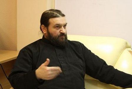 Протоиерей Андрей Ткачев покидает Украину