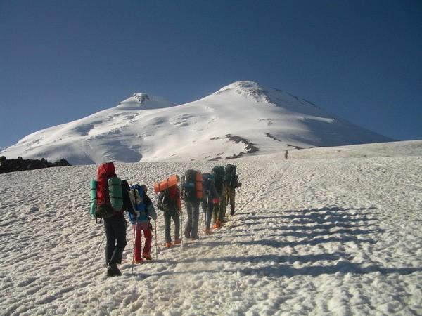 Дети горняков помолятся на вершине Эльбруса