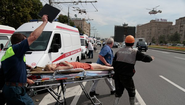 Число погибших при аварии в метро возросло до пятнадцати человек