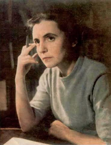 Профессор Ольга Александровна Ладыженская преподавала у нас математическую физику. Академиком она стала позже – в 1990 году.