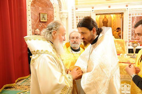 Святейший Патриарх Кирилл, протоиерей Александр Ильяшенко, иерей Филипп Ильяшенко