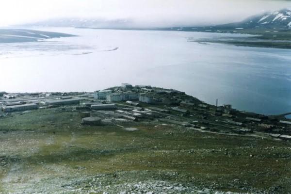 Новая Земля.  Поселок испытателей Белушка