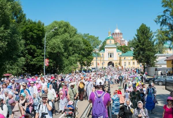 Троице-Сергиеву Лавру посетило 50 000 человек