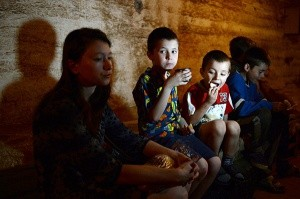 Операторы гуманитарной помощи Донбассу начинают работать вместе