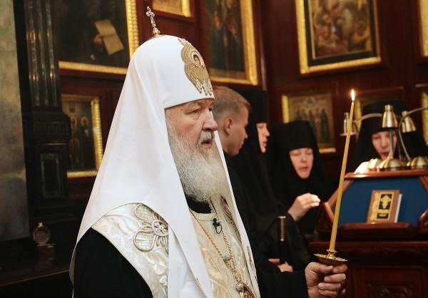 Патриарх Кирилл совершил литию по погибшим в метро на девятый день трагедии
