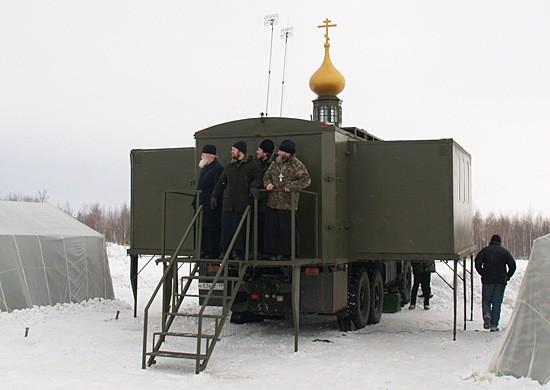 Россия пришлет в Арктику мобильные храмы для военных