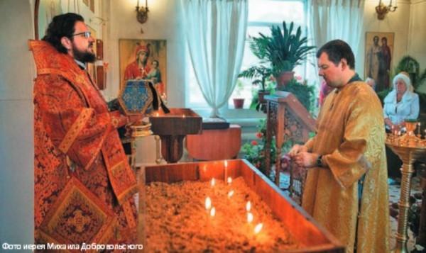 Архиерейское богослужение в Усть-Нере, 2012 год