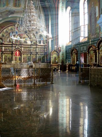 Восстановленный к торжествам 2003 года меньше чем за 9 месяцев храм преподобного Серафима Саровского.