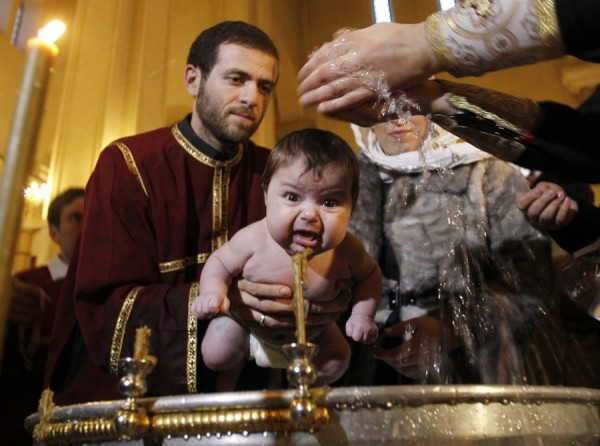 Крестить ли капризных детей? Отвечают священники