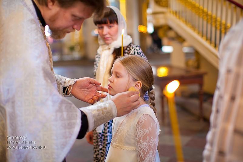 Фото девочки на крещении ребенка