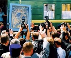 Встреча Тихвинской иконы Божией Матери Лето 2004 года
