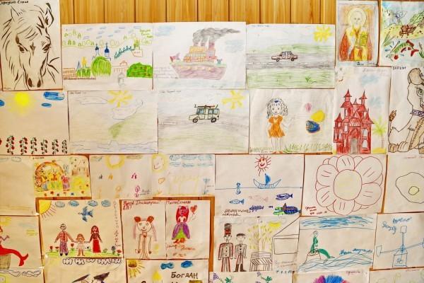 94. Галерея детских рисунков.