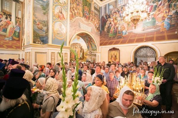 Киев прощается с митрополитом Владимиром (+ФОТО и ВИДЕО)