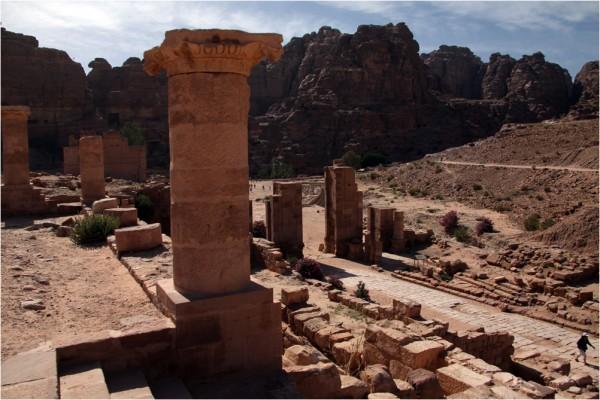 Петра. Руины Великого Храма.
