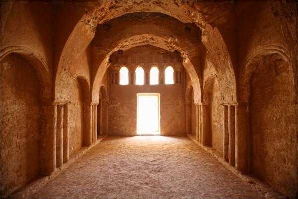 Замок Каср-аль-Харрана, интерьер помещений второго этажа