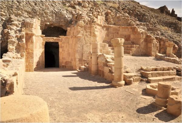 Пещера Лота. Фото www.biblewalks.com