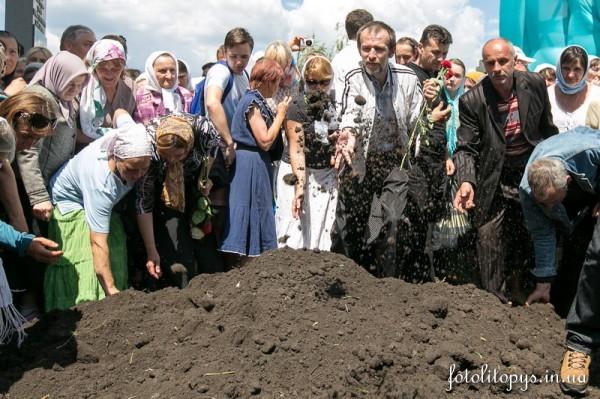 Pogrebenie_Blazhenneishego_Mitropolita_Vladimira_53