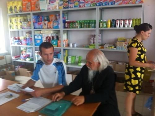 Прихожане Новочеркасска расселяют семьи беженцев из Украины по домам