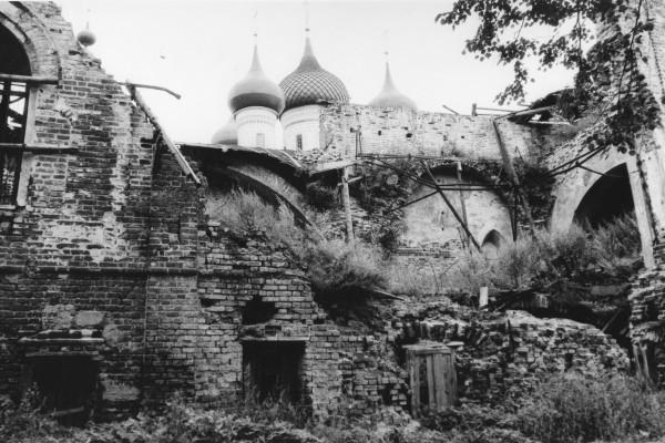 Разрушенная, но святая Толга. 1988 год.