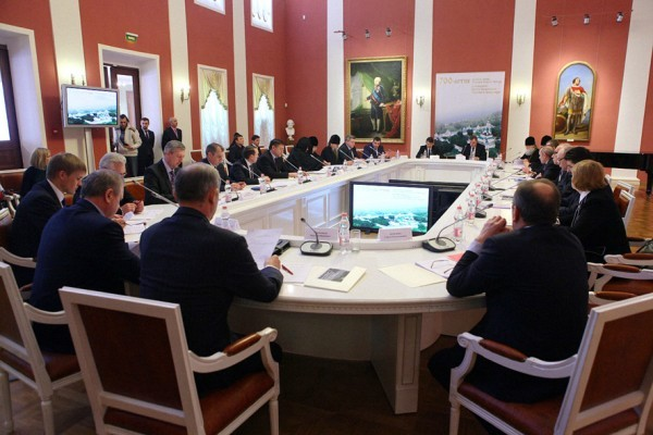 На заседании попечительского совета
