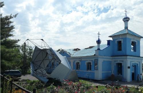 На Полтавщине упал купол Покровской церкви