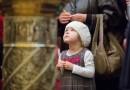 Водить ли ребенка на всю службу в храме? — Отвечают священники…