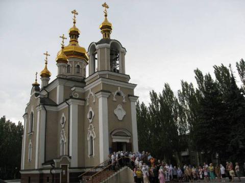 Донбасский священник обустроил бомбоубежище в храме
