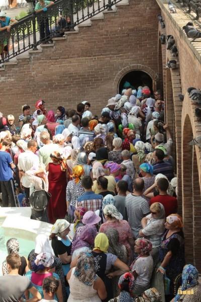12. Беженцы в Святогорской Лавре_новый размер_новый размер