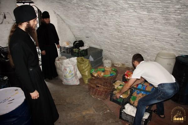 2. Беженцы в Святогорской Лавре_новый размер_новый размер