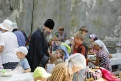 В Святогорской Лавре на данный момент 800 беженцев, 300 из них – дети