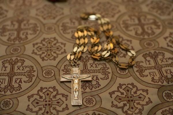 Наперсный крест священника