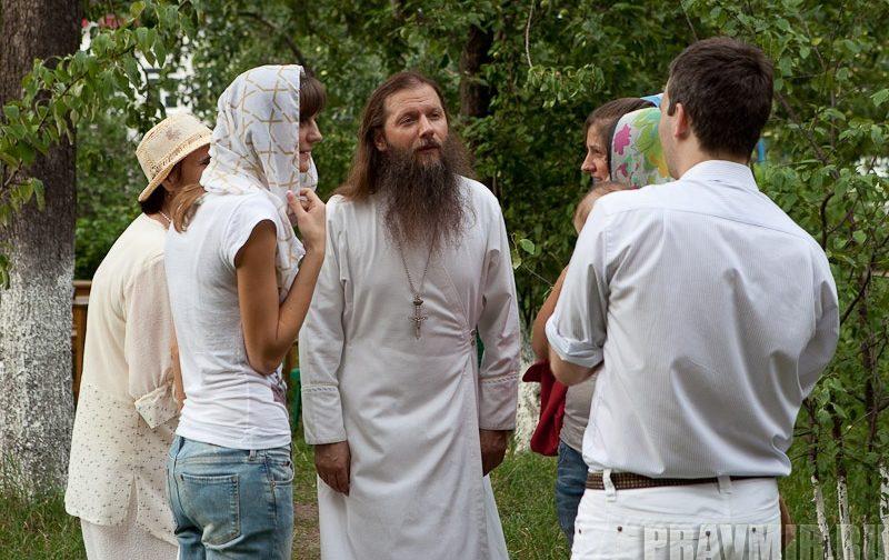Огласительные беседы: Стало ли крещение осознанным?