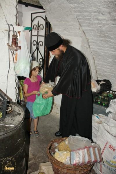 7. Беженцы в Святогорской Лавре_новый размер_новый размер