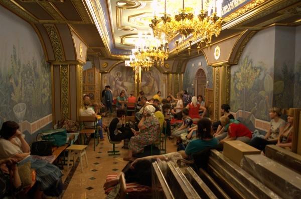 Украинская Церковь вывезла из Горловки в другие области Украины почти 200 человек