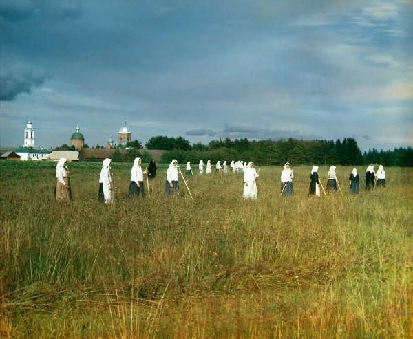 В монастыре жило до 700 насельниц.