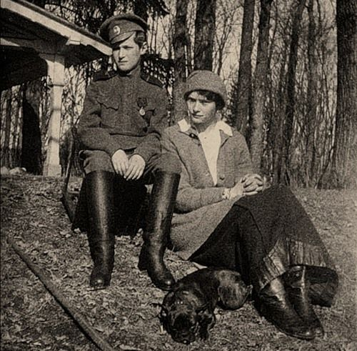 Цесаревич Алексей Николаевич с сестрой Великой Княжной Татьяной Николаевной, Царское село, 1917 год