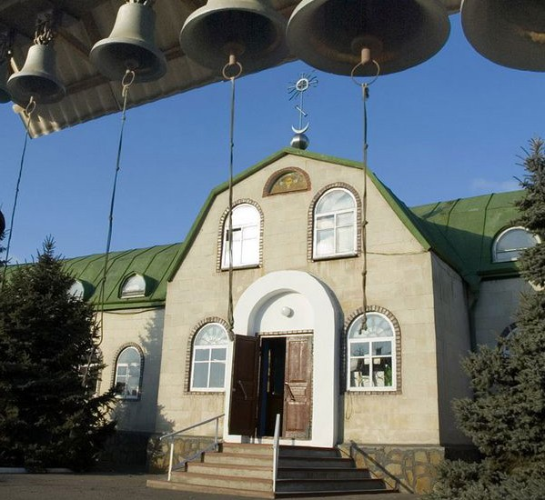 Горловская и Славянская епархия представила архивное видео разрушенного храма