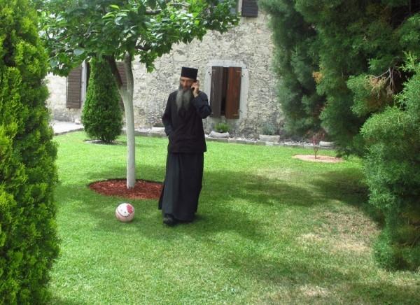 В монастыре Челия Пиперская