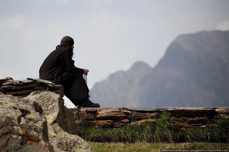 Не заедать проблемы, но идти вперед и молиться