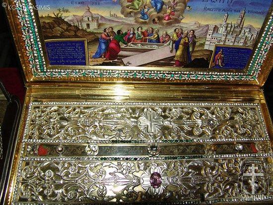 В Красноярск прибудут мощи и иконы из греческого монастыря на Афоне