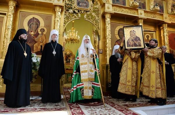 Патриарх Кирилл: Для того чтобы Божественная благодать входила в нашу жизнь, мы должны просить об этом Бога
