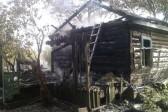 Амурские пограничники спасли четверых детей из горящего дома